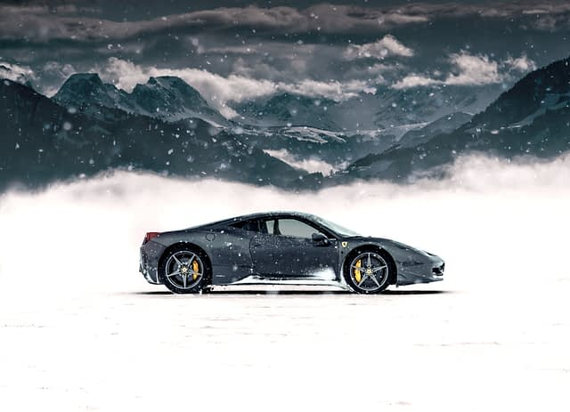 how much does a ferrari cost